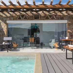 Kivotos - Deluxe Suite with private pool